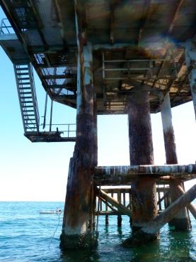 abandoned rig stil sounds it's horn