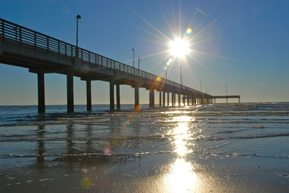 morning high, pier